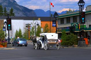 top attractions, travel guides,trip plans, local deals in Banff
