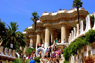 top attractions, travel guides,trip plans, local deals in Barcelona